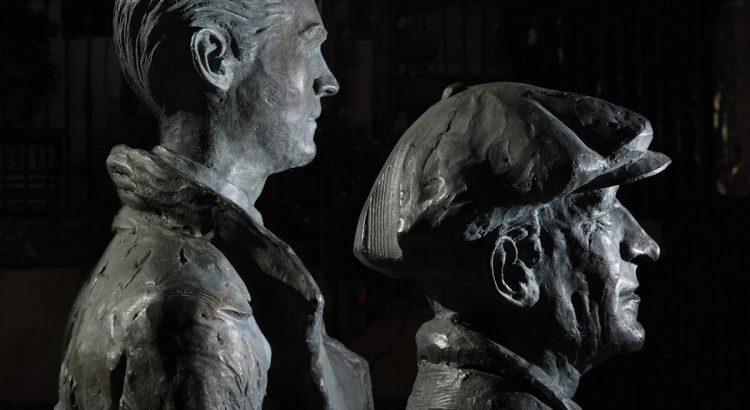 Sculptures of Federico García Lorca and Manuel de Falla, located in the García Moreno square in Órgiva and made in natural size by the sculptor José Vera from Órgiva.