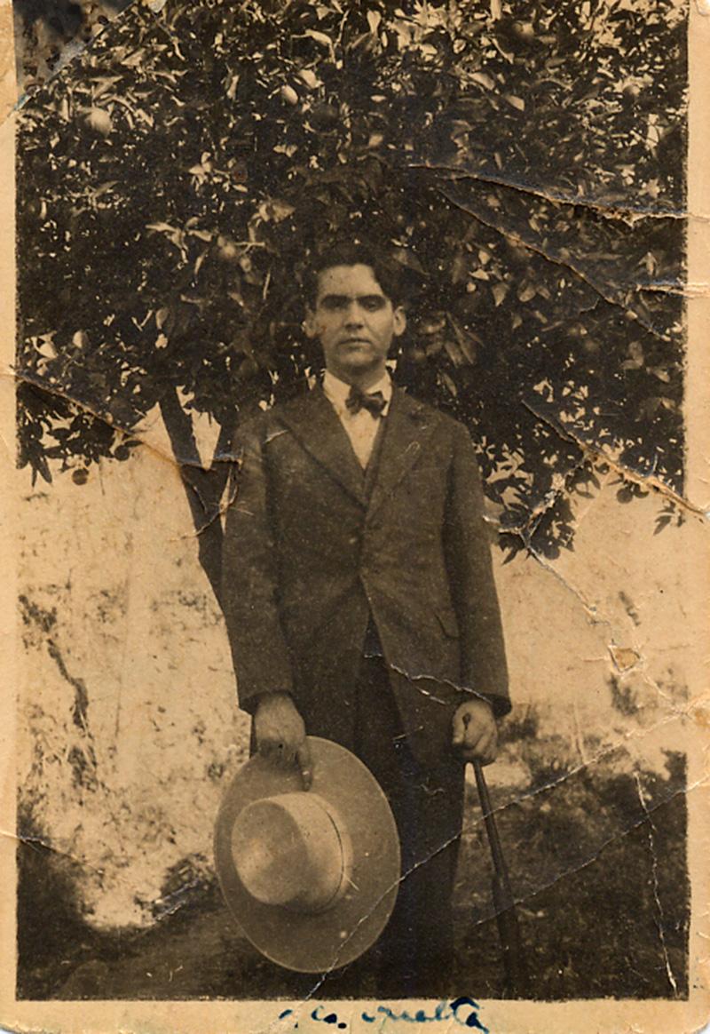 Imagen de Federico García Lorca en Órgiva, en la Alpujarra.