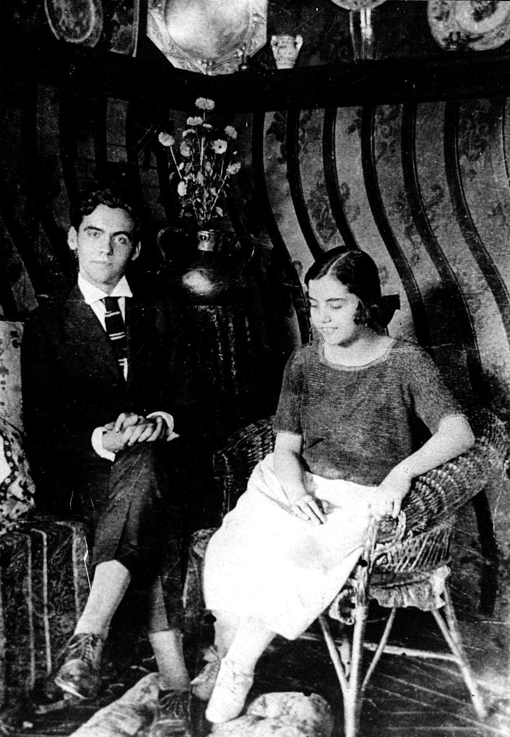Federico and his sister Concha García Lorca. Photo: Federico García Lorca Foundation