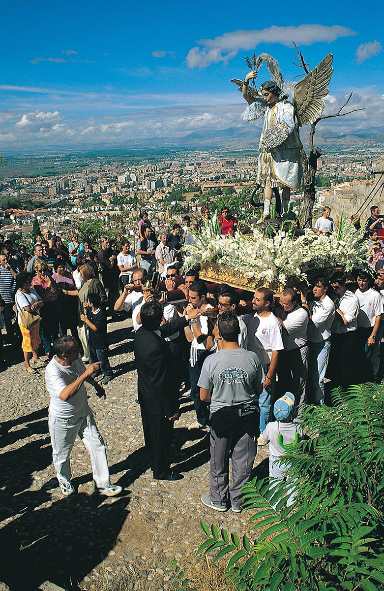 Romería de San Miguel, en el Cerro del Aceituno.