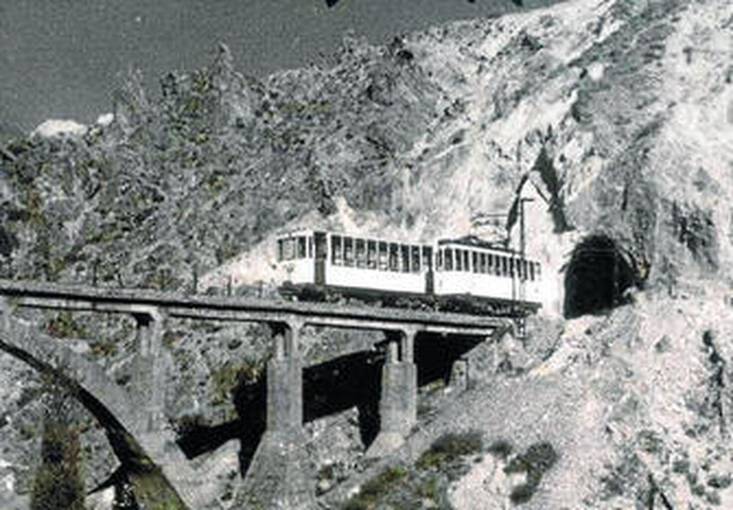 Tranvía de Sierra Nevada, impulsado por el ingeniero Juan José Santa Cruz.