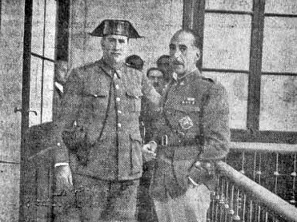 Captain Manuel Rojas (right) during the trial of the Casas Viejas events.