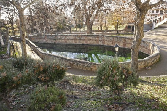 Aynadamar or Las Lágrimas fountain, in Alfacar. The water reached the Albaicín through the irrigation channel of the same name.
