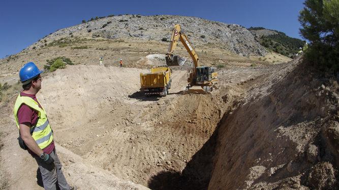 Excavaciones para la búsqueda de Lorca realizadas en 2016 en el Peñón del Colorado. / Foto: Granada Hoy