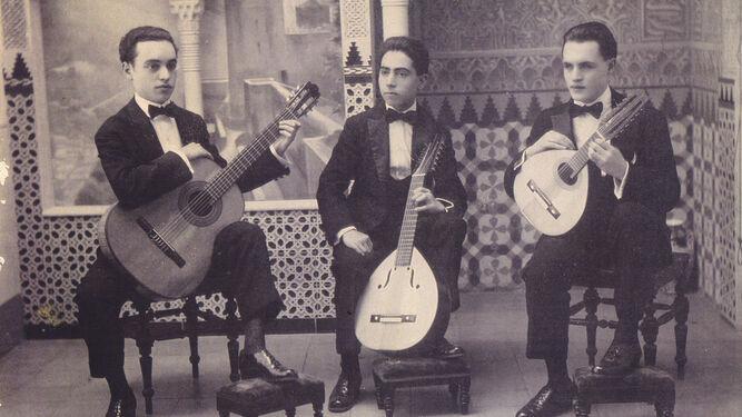 The Trío Albéniz when they began. José Molina Zúñiga poses in the center with his lute.