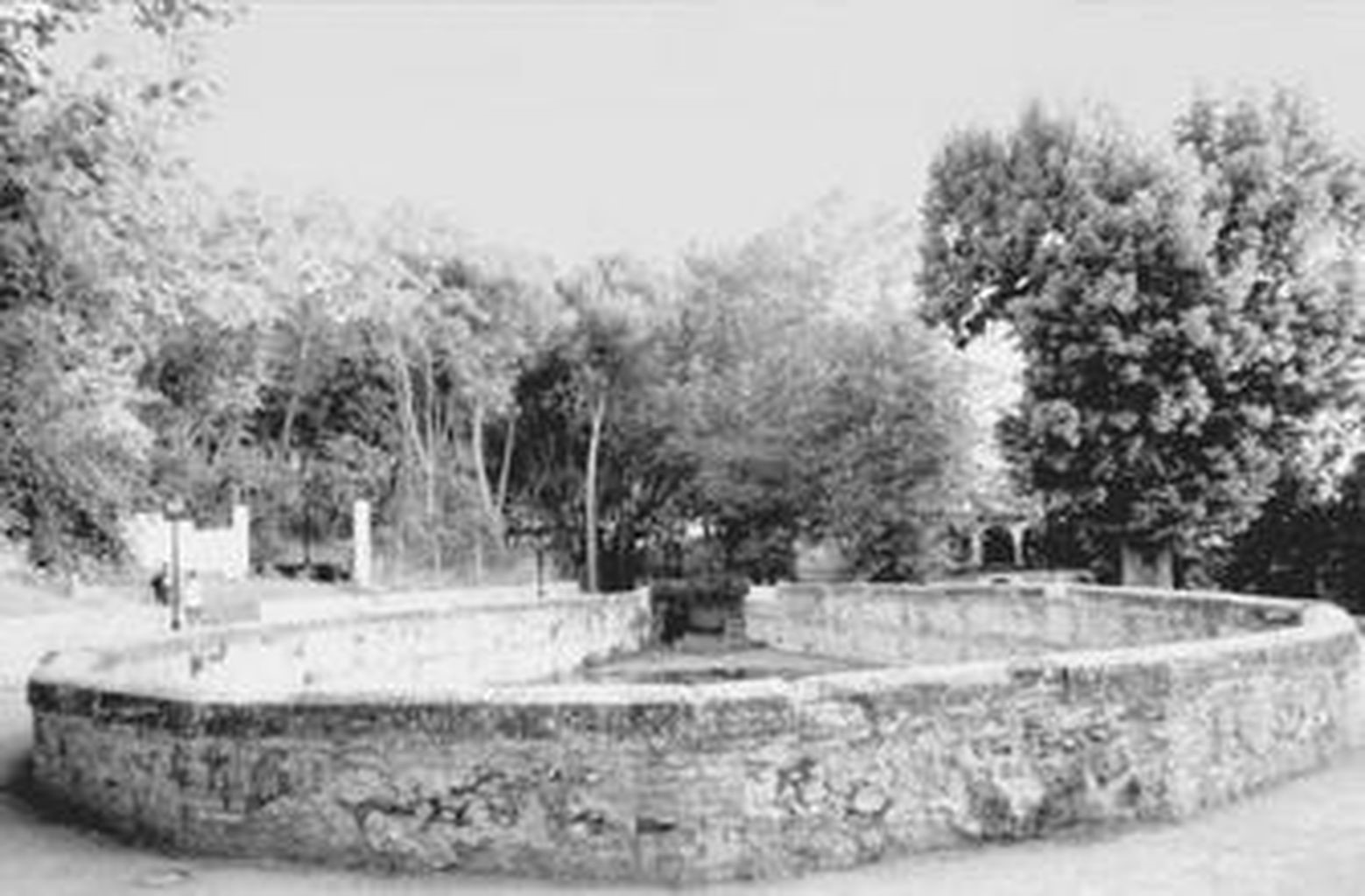 Photograph of the Aynadamar Fountain or the Fountain of Tears from the period.