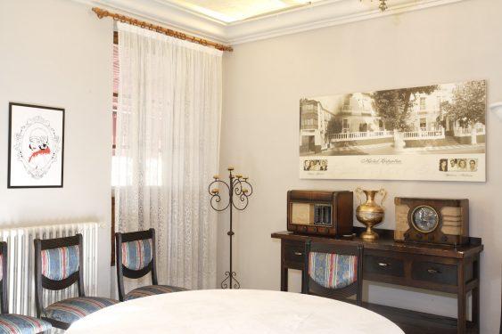 Salón del Hotel España de Lanjarón, donde se hospedaba la familia de García Lorca cuando acudía al balneario para aliviar las dolencias de doña Vicenta.