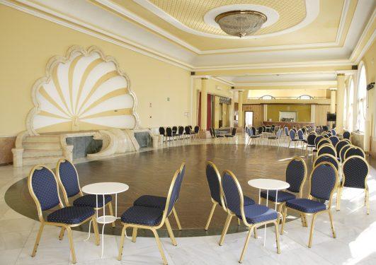 Salón de actos y celebraciones del Balneario de Lanjarón, donde acudía la familia de García Lorca  para aliviar las dolencias de su madre, doña Vicenta.