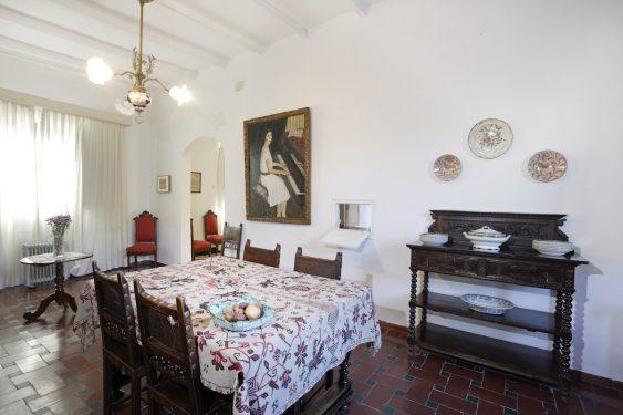 Casa de la Huerta de San Vicente, donde pasaba los veranos la familia de Federico García Lorca. Salón comedor.