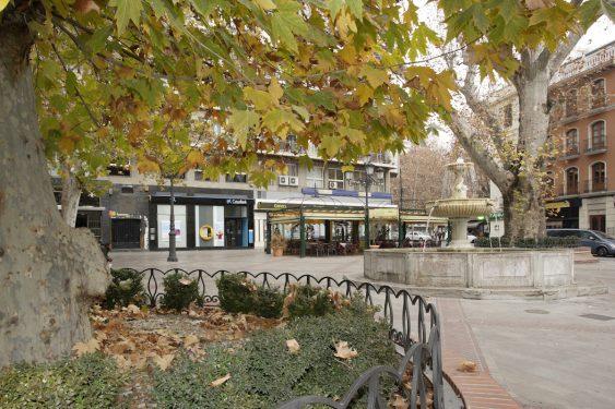 Plaza del Campillo, sede del Restaurante Chikito, donde en su día estuvo el Café Alameda y El Rinconcillo.