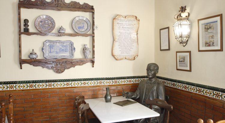 Restaurante Chikito, donde en su día estuvo el Café Alameda, sede de El Rinconcillo. Interior con un rincón dedicado a Federico García Lorca.