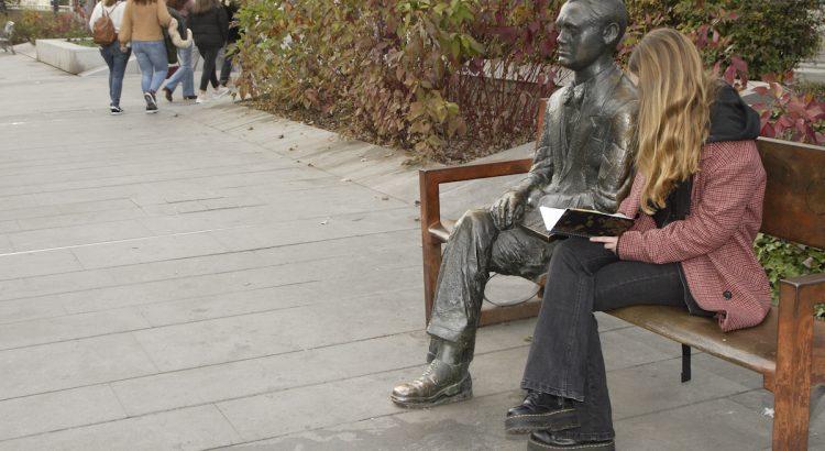 Sculpture of Federico García Lorca located on the promenade of Constitución Avenue in Granada.