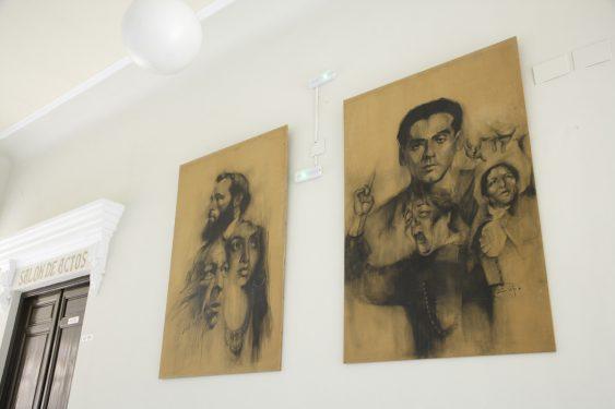 Dibujos realizados por David Gonzalez López de varias personalidades y artistas, entre ellos García Lorca ubicados en la primera planta del Instituto Padre Suárez, en Granada.