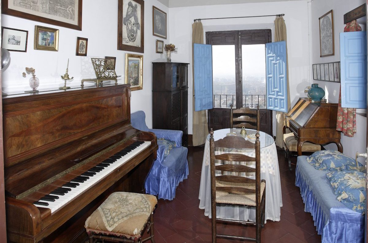Manuel de Falla's studio, with the piano where he composed, in the Antequeruela Home, where he lived between 1922 and 1939 with his sister María del Carmen.
