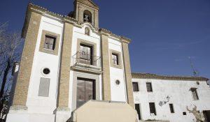 Ermita de San Miguel Arcángel, en el cerro del Aceituno, también llamada de San Miguel Alto.