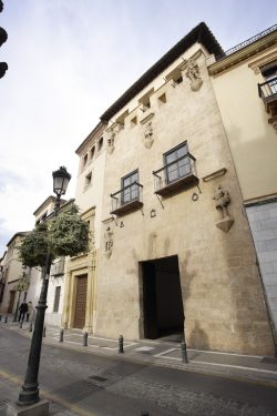 Fachada de la Casa de los Tiros, Granada.