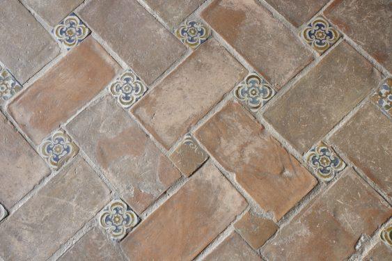 Detalle del suelo de la Cuadra Dorada en la Casa de los Tiros.