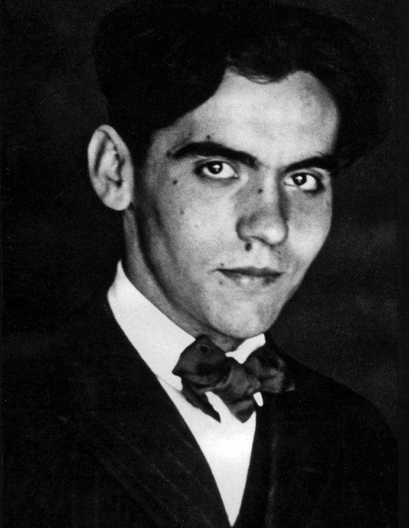 Retrato de Federico García Lorca entorno a su época universitaria.