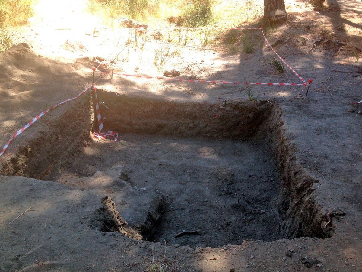 Imagen de las prospecciones arqueológicas realizadas en las fosas comunes del Barranco de Víznar en 2013.