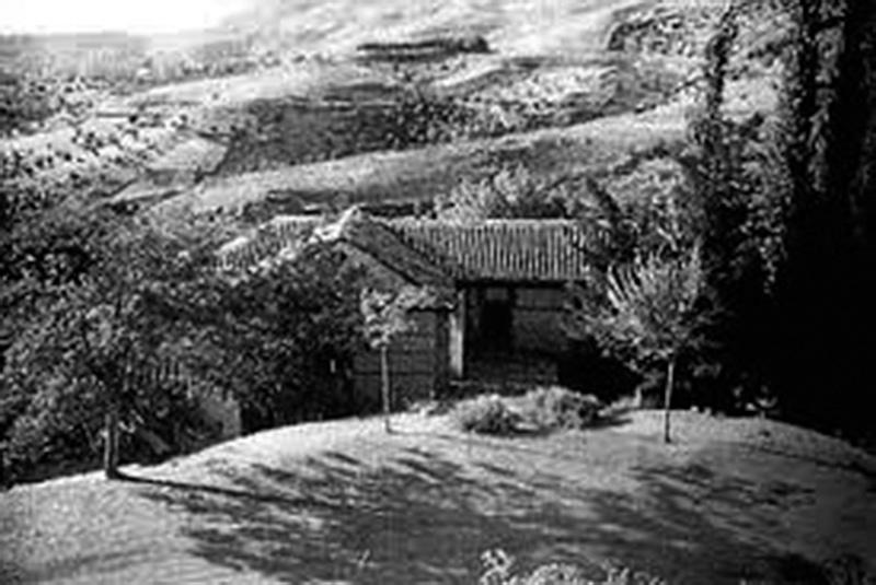 Imagen de La Colonia de Víznar antes de su derribo.