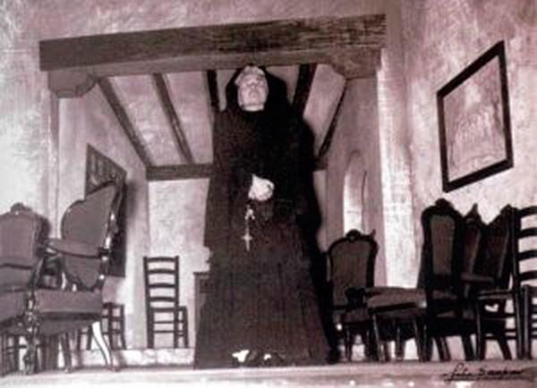 The House of Bernarda Alba. Margarita Xirgu's Company. 1945. Photo: Gaspar/National Theater Museum of Almagro.