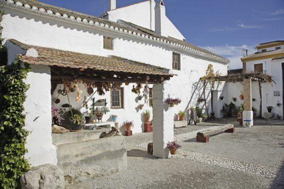 Patio de los caseros de la Casa-Museo de Valderrubio de la familia de Federico García Lorca.