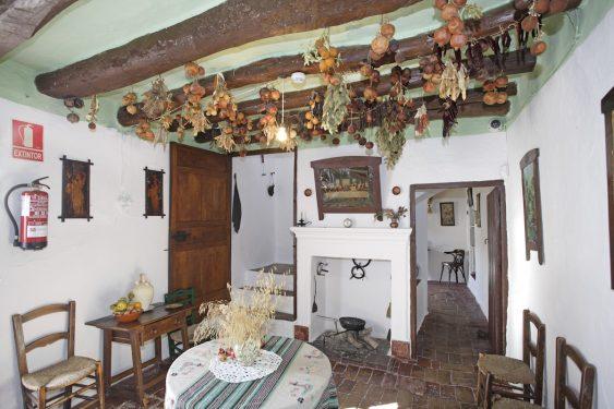 Cocina de la vivienda de los caseros de la familia de Federico García Lorca en Valderrubio.