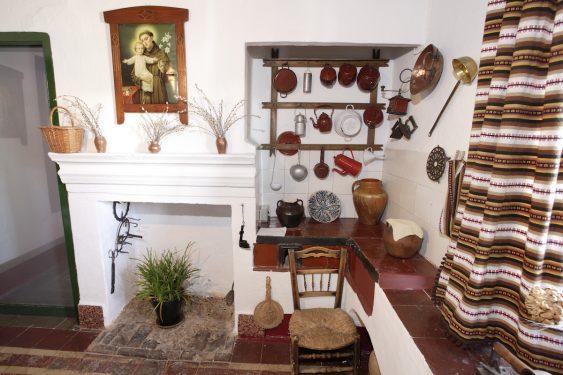 Rincón de la cocina de la vivienda  familiar de Federico García Lorca en Valderrubio.