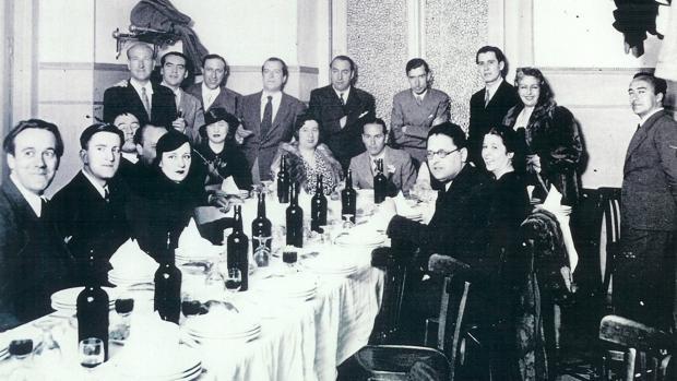 Homanaje a Luis Cernuda en 1936.