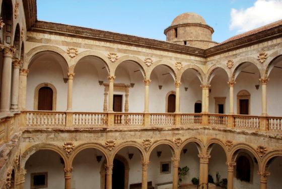 Interior del Castillo de La Calahorra.
