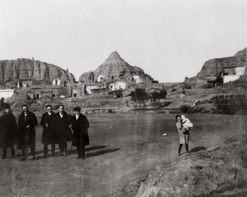 Alfonso García-Valdecasas, José Segura, Rafael Aguado, García Lorca y Falla en Purullena, camino de Guadix.