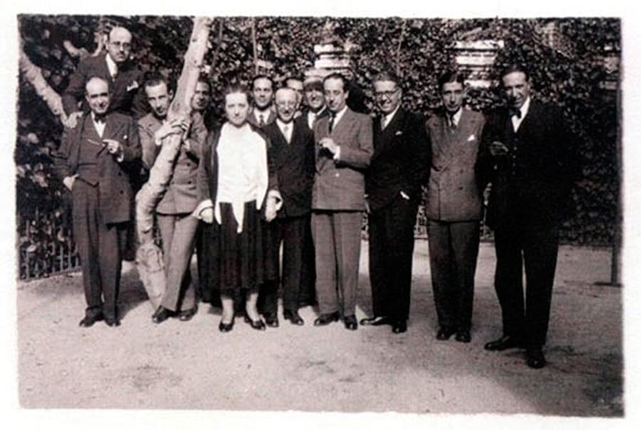 Restaurante Buenavista. Fotografía de 1931. Grupo del 27 con Mathilde Pomès.
