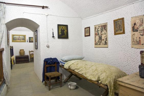 Cueva Museo de Purullena.