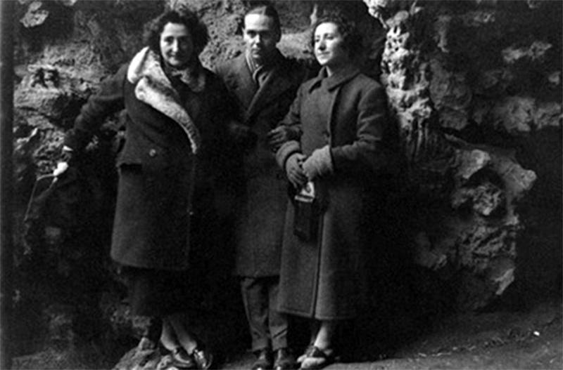 De izquierda a derecha, Rosa Chacel, Luis Cernuda y Concha de Albornoz.