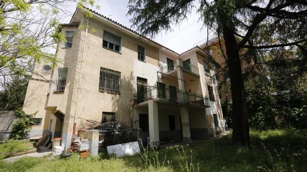 Casa de Aleixandre en la calle Velintonia, 3, abandonada.