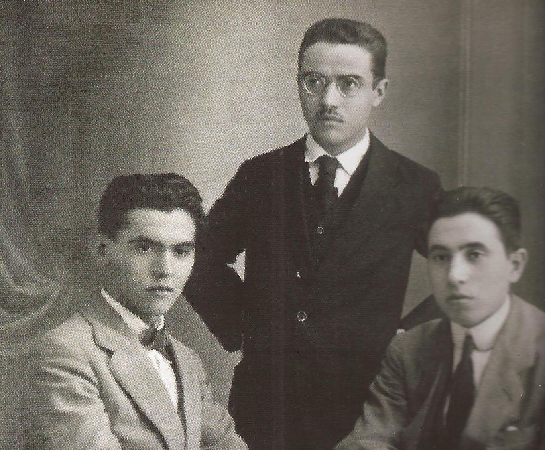 Federico García Lorca, Ricardo Gómez Ortega y Luis Mariscal.