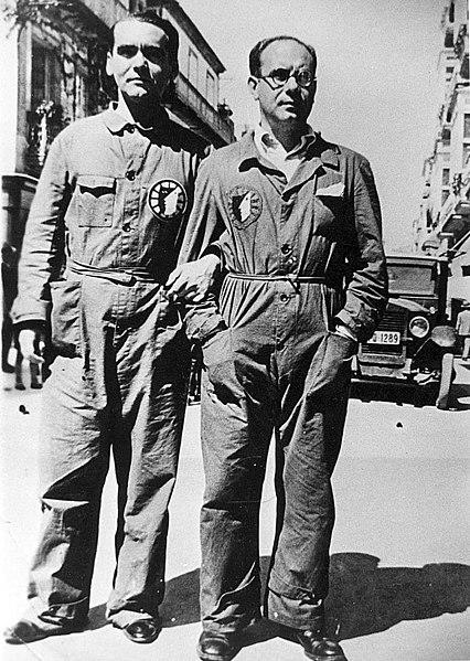 Lorca y Ugarte, vestidos con el mono de La Barraca.
