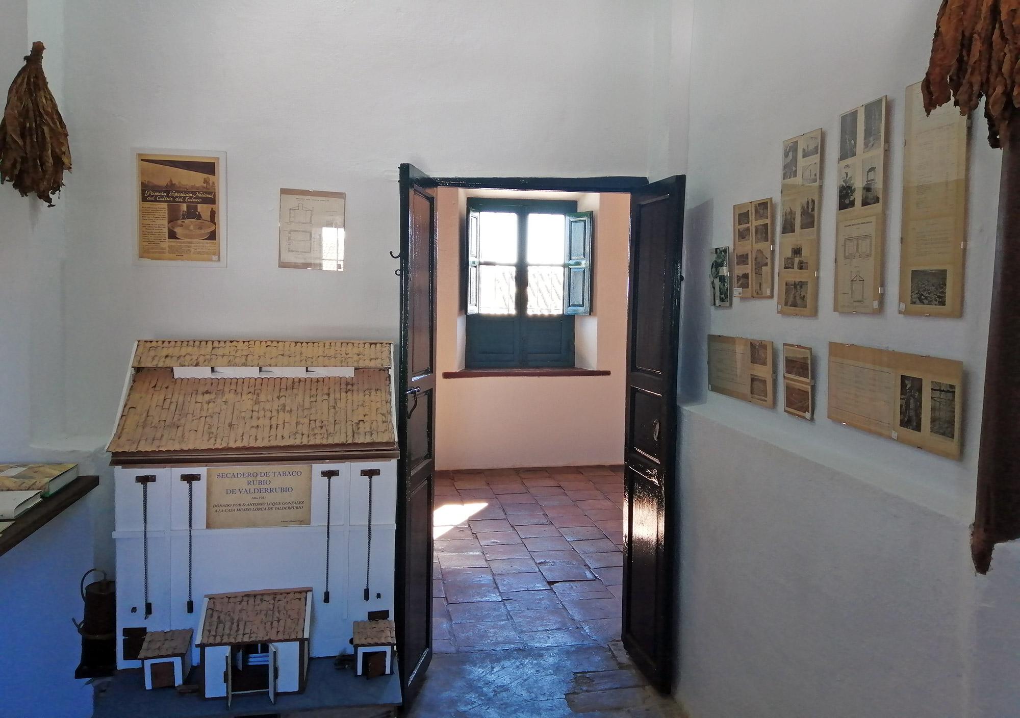 Exposición del tabaco rubio en la Casa Museo de FGL en Valderrubio.